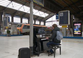 piano_gare-1