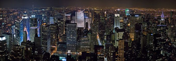 750px-New_York_Midtown_Skyline_at_night_-_Jan_2006_edit1
