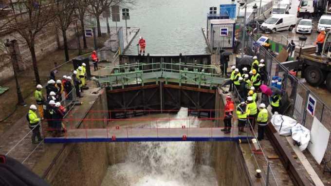 Remise en eau du canal Saint-Martin à Paris © Radio France - Leslie Carretero