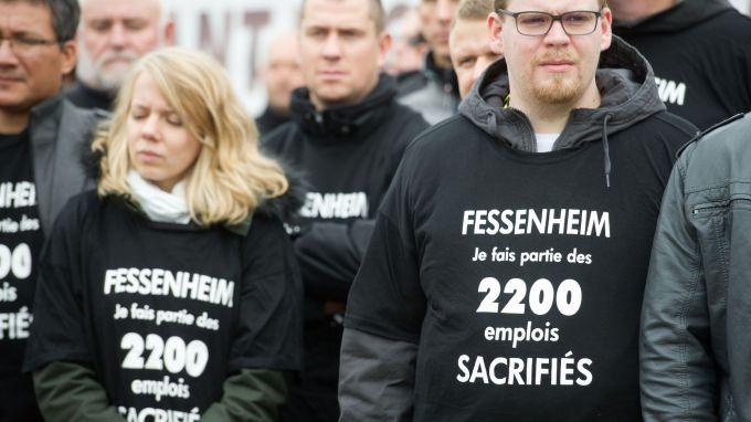 Des manifestants contre la fermeture de la centrale nucléaire de Fessenheim (Haut-Rhin), devant le site le 27 octobre 2015 afp.com SEBASTIEN BOZON