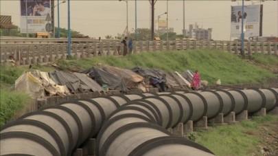 Pipeline (très moche) de Mumbay et bientot ce à quoi ressemblera bientot la terre des Sioux