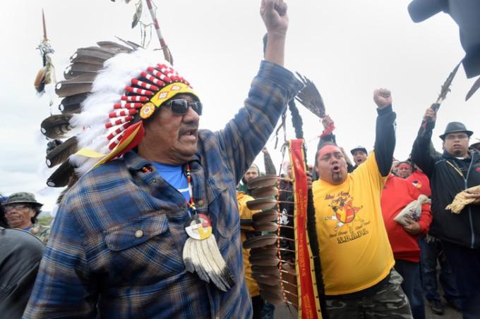 En septembre, plusieurs milliers de manifestants protestaient contre le projet de pipeline qui doit traverser le Dokota du Nord.